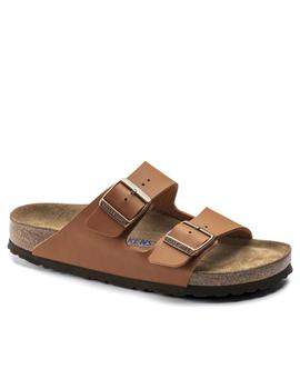 Sandalia Birkenstock Arizona en color cuero